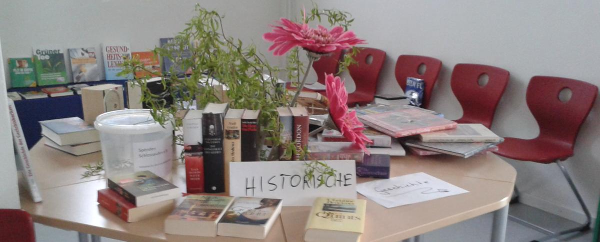 Bücherbasar in der Schloßbibliothek